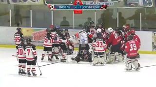 Массовая драка между 12 летними хоккеистами из Луганска и Воронежа попало в сеть
