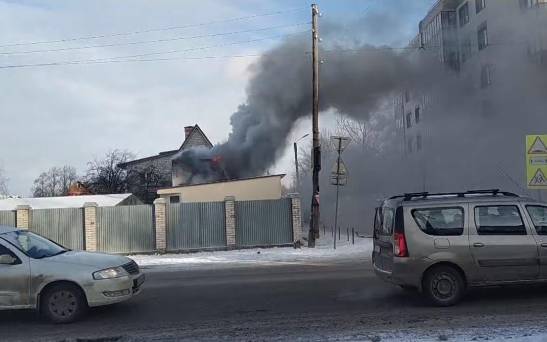 Загорелся дом на Мельничной