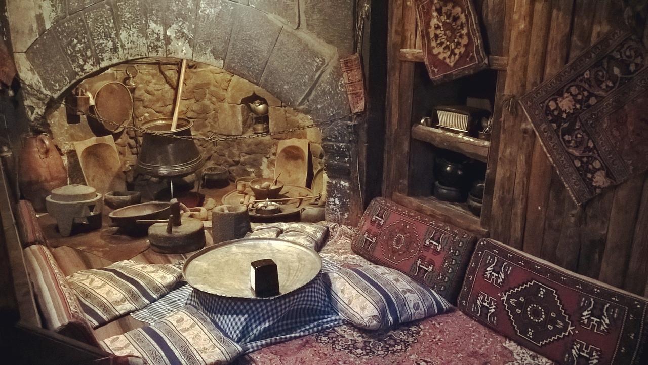 у таких печей в старину делали лепёшки в Турции