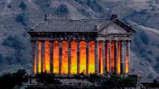 История основания  крепости Гарни, храма Гарни, античной римской бани и церкви 7 века.
