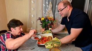 Безумно вкусно! И почему я раньше так не готовил Фаршированный Перцы?! Это рецепт теперь любимый.
