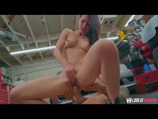 Aidra Fox - Rotating Her Tires [All Sex, Hardcore, Blowjob, Gonzo]